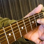 "Qactus-カクタスが""ギターを簡単にするオモチャ""ではない証"