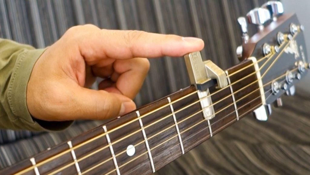 Qactus カクタス ギター 装着 取り付け方 挫折者 初心者 未経験者